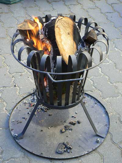 Feuerkorb mit Bodenblech