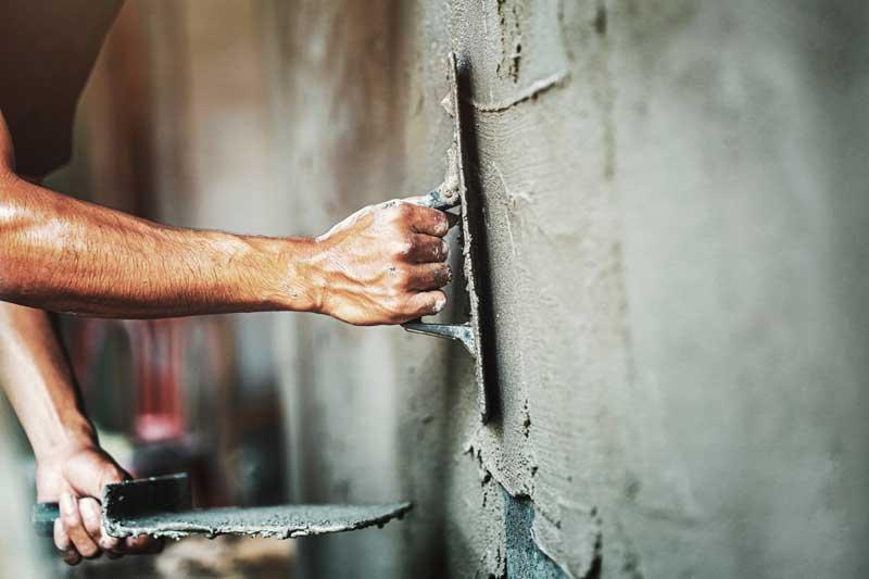 Kratzputz im Innenbereich – so gelingt die Verarbeitung