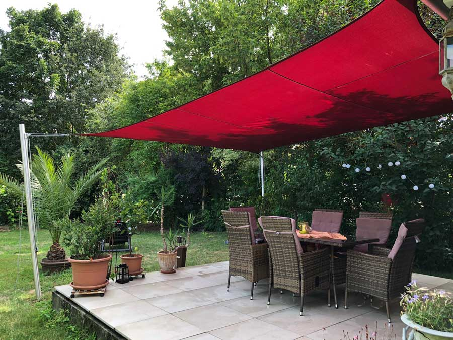 Sonnensegel für die Terrasse – diese Möglichkeiten gibt es