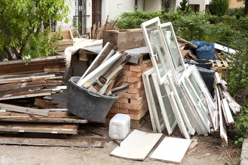 Haus renovieren oder sanieren – Wohin mit Bauschutt und Co.?
