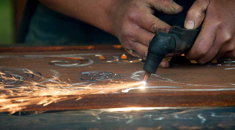 Mit dem Plasmaschneider Dekofiguren aus Metall selbst machen